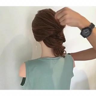 簡単ヘアアレンジ 上品 ロング エレガント ヘアスタイルや髪型の写真・画像