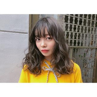グレージュ 透明感 ヘアアレンジ ナチュラル ヘアスタイルや髪型の写真・画像