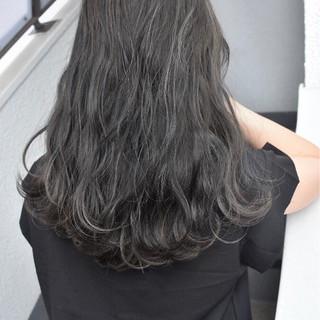 ナチュラル グレージュ 外国人風カラー ロング ヘアスタイルや髪型の写真・画像