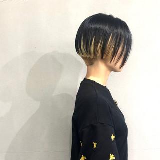 小顔ショート ショート インナーカラー 刈り上げ女子 ヘアスタイルや髪型の写真・画像
