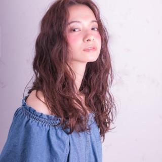 パーマ モード 波ウェーブ 外国人風 ヘアスタイルや髪型の写真・画像