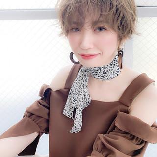 春ヘア ナチュラル グレージュ デート ヘアスタイルや髪型の写真・画像