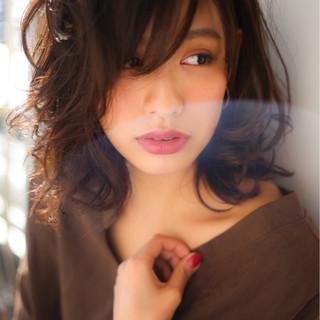 色気 ミディアム コンサバ 冬 ヘアスタイルや髪型の写真・画像