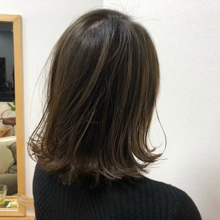 外国人風 外ハネ ミディアム ストリート ヘアスタイルや髪型の写真・画像
