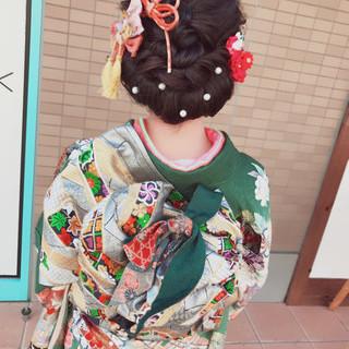 セミロング 黒髪 アップスタイル 成人式 ヘアスタイルや髪型の写真・画像