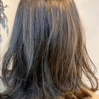 アンニュイほつれヘア オリーブカラー ほつれウエーブ オリーブ ヘアスタイルや髪型の写真・画像
