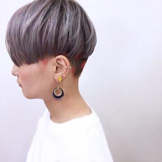 モード ストレート ハイトーン 個性的 ヘアスタイルや髪型の写真・画像