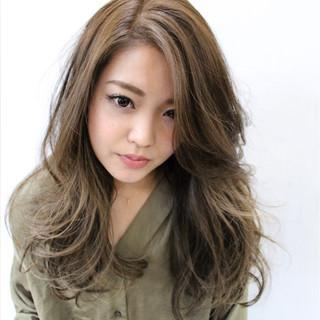 小顔 大人女子 外国人風 こなれ感 ヘアスタイルや髪型の写真・画像