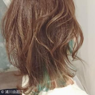 大人かわいい フェミニン インナーカラー ミディアム ヘアスタイルや髪型の写真・画像