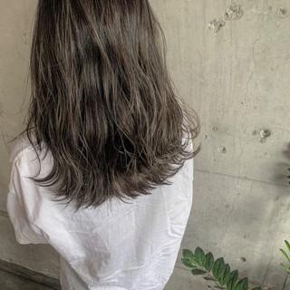 ロング ナチュラル 簡単ヘアアレンジ ブリーチカラー ヘアスタイルや髪型の写真・画像