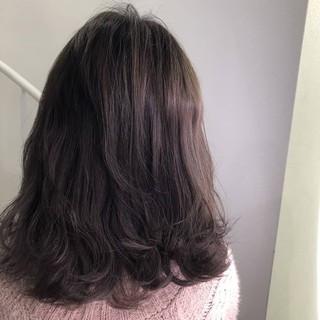 セミロング ナチュラル イルミナカラー ミルクティーグレージュ ヘアスタイルや髪型の写真・画像