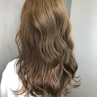 外国人風カラー ナチュラル アンニュイほつれヘア パーマ ヘアスタイルや髪型の写真・画像 ヘアスタイルや髪型の写真・画像