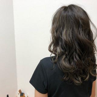 グレージュ 女子力 イルミナカラー フェミニン ヘアスタイルや髪型の写真・画像