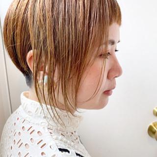 ネイビーカラー アッシュベージュ アシメバング ストリート ヘアスタイルや髪型の写真・画像