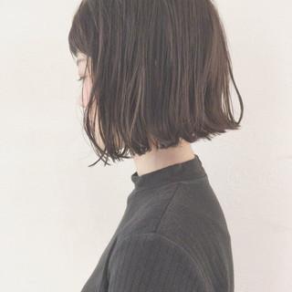 ナチュラル デート 外ハネ リラックス ヘアスタイルや髪型の写真・画像