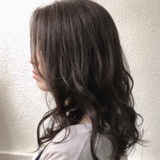 暗髪 ナチュラル グレージュ ロング ヘアスタイルや髪型の写真・画像