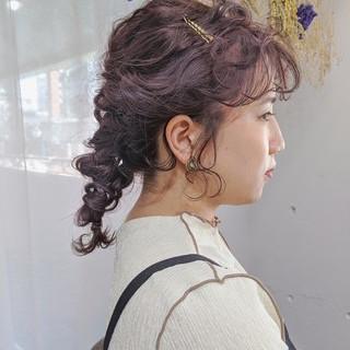 暗髪 ヘアアレンジ 結婚式髪型 セミロング ヘアスタイルや髪型の写真・画像