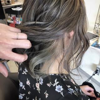 インナーカラー コントラストハイライト 外ハネボブ ナチュラル ヘアスタイルや髪型の写真・画像