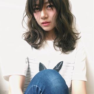 パーマ 前髪あり 艶髪 ニュアンス ヘアスタイルや髪型の写真・画像 ヘアスタイルや髪型の写真・画像