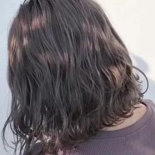 ボブ ゆるウェーブ バレイヤージュ ナチュラル ヘアスタイルや髪型の写真・画像