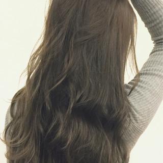 透明感 グレージュ アッシュ モード ヘアスタイルや髪型の写真・画像 ヘアスタイルや髪型の写真・画像