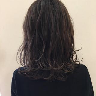 ゆるふわ ミディアム ボブ ニュアンス ヘアスタイルや髪型の写真・画像