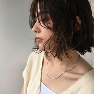 前髪あり マッシュ 外ハネ 束感 ヘアスタイルや髪型の写真・画像