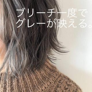 ミニボブ ナチュラル ダークグレー ショートボブ ヘアスタイルや髪型の写真・画像