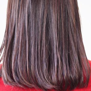 パープル ラベンダーグレー セミロング アンニュイほつれヘア ヘアスタイルや髪型の写真・画像