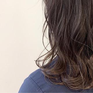 女子力 無造作 デート ウェーブ ヘアスタイルや髪型の写真・画像