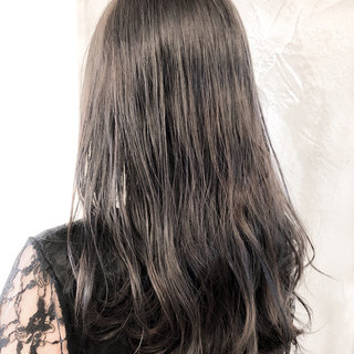 ブルージュ グレージュ イルミナカラー ナチュラル ヘアスタイルや髪型の写真・画像