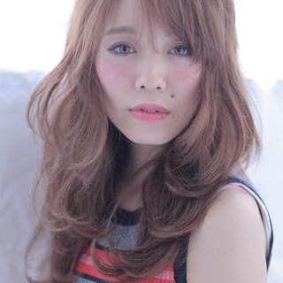 フェミニン 大人女子 小顔 パーマ ヘアスタイルや髪型の写真・画像