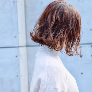 外ハネボブ アッシュグレージュ グレージュ アンニュイほつれヘア ヘアスタイルや髪型の写真・画像