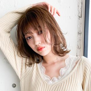 鎖骨ミディアム ナチュラル デジタルパーマ シースルーバング ヘアスタイルや髪型の写真・画像
