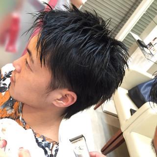 ストレート メンズ 黒髪 ショート ヘアスタイルや髪型の写真・画像