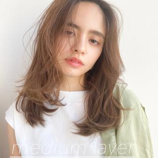 ミディアム レイヤースタイル ミディアムレイヤー スウィングレイヤー ヘアスタイルや髪型の写真・画像