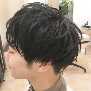 ツーブロック 束感 ナチュラル 刈り上げ ヘアスタイルや髪型の写真・画像