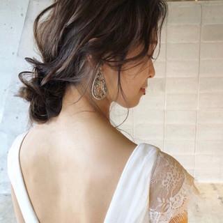 大人かわいい ミディアム フェミニン 結婚式ヘアアレンジ ヘアスタイルや髪型の写真・画像