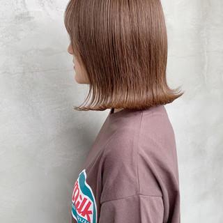 ブリーチ ミルクティー ミディアム グレージュ ヘアスタイルや髪型の写真・画像