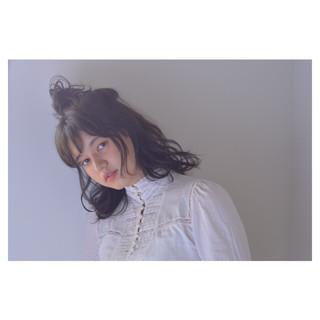 ガーリー リラックス ヘアアレンジ ウェーブ ヘアスタイルや髪型の写真・画像