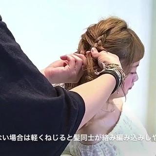フェミニン アウトドア ハーフアップ セミロング ヘアスタイルや髪型の写真・画像