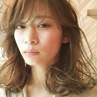 アンニュイ デート ウェーブ フェミニン ヘアスタイルや髪型の写真・画像