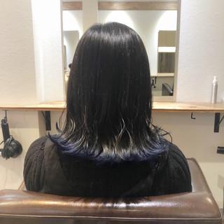 ラインカラー ナチュラル ネイビーブルー 裾カラー ヘアスタイルや髪型の写真・画像