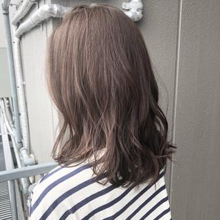 ミルクティーベージュ ヌーディーベージュ ナチュラル ナチュラル可愛い ヘアスタイルや髪型の写真・画像