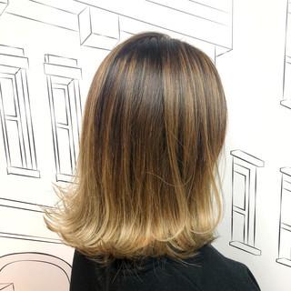 バレイヤージュ イルミナカラー ストリート ハイライト ヘアスタイルや髪型の写真・画像