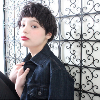 リラックス ナチュラル ショートボブ 黒髪 ヘアスタイルや髪型の写真・画像 ヘアスタイルや髪型の写真・画像