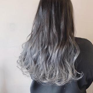 モード 外国人風カラー ロング グレー ヘアスタイルや髪型の写真・画像