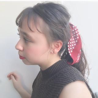 ローポニーテール ローポニー ナチュラル バンダナ ヘアスタイルや髪型の写真・画像 ヘアスタイルや髪型の写真・画像