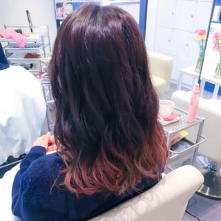外国人風 ロング ピンク グラデーションカラー ヘアスタイルや髪型の写真・画像