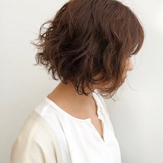 無造作パーマ パーマ ミディアム デート ヘアスタイルや髪型の写真・画像